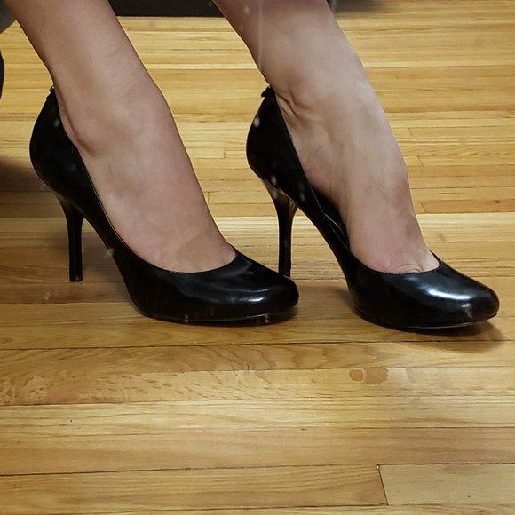 Michael Kors Black heel pumps